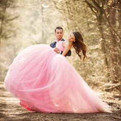 This wedding photo is like a fairy tale come true!