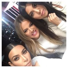Pin for Later: The Kardashians May Have Just Dissed Scott Disick — With Selfies