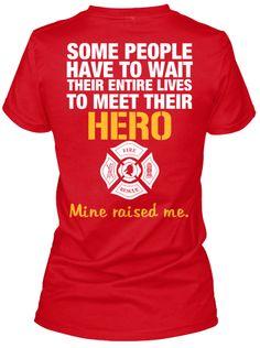 SOMEPEOPLE HAVETOWAIT THEIRENTIRELIVES TOMEETTHEIR HERO Mineraisedme.