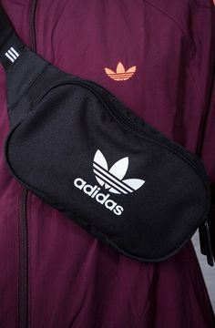 Teenager Outfits, Girl Outfits, Cute Outfits, Adidas Backpack, Adidas Shirt, Cloth Bags, Black Adidas, Body Bag, Cross Body