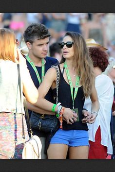i know i've posted 3 other pictures of liam and danielle from the v festival today, but i can't help it. liam, you stole her heart. now danielle should steal your last name<3