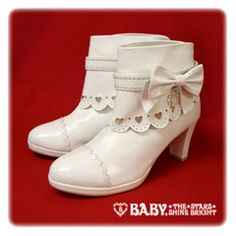 Hearty Bootee (Pink) - Baby, the Stars Shine Bright Michelle Phan, Jane Birkin, Witch Fashion, Lolita Fashion, Betsey Johnson, Shiny Boots, Fashion Shoes, Fashion Accessories, Bright Shoes