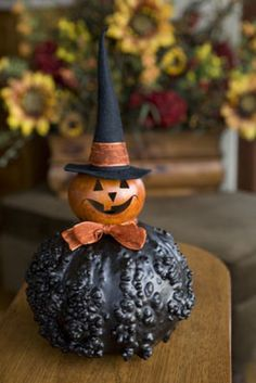 """Witch """"Velma"""" by Meadowbrooke Gourds Halloween Gourds, Halloween Items, Halloween Home Decor, Fall Halloween, Halloween Crafts, Decorative Gourds, Hand Painted Gourds, Courge Halloween, Elf Christmas Decorations"""