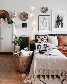 Simple diy House design, Prior to purchasing furniture, you should realize how to locate the best counterpart for your needs. Living Room Furniture, Home Furniture, Living Room Decor, Dining Room, Furniture Outlet, Discount Furniture, Furniture Projects, Furniture Makeover, Diy Projects