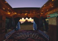 Do vans ever have ceiling windows? This would make me 1000000000% happy