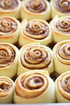 {I'm definitely making these soon!} Cinnabon Cinnamon Rolls