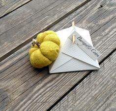 5 Boîtes cadeaux invités citrouilles en lin jaune parfumées : Boîtes, coffrets par barege-coton