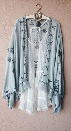 Image of Free People gypsy Bohemian embroidered Kimono . - Image of Free People gypsy Bohemian embroidered kimono up ideas room ideas - Hippie Style, Gypsy Style, Bohemian Style Clothing, Gypsy Clothing, Bohemian Fashion, Boho Chic Style, Bohemian Outfit, Boho Style Dresses, Look Boho