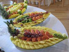 Fruit platter Fruit Tables, Fruit Buffet, Deco Fruit, Edible Fruit Arrangements, Party Food Platters, Fruit Platters, Fruit Creations, Fruit And Vegetable Carving, Food Carving