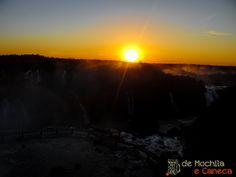 Lado brasileiro das Cataratas do Iguaçu e o pôr do sol