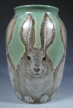 Hand Painted Pottery with Animal and Dog Art by Nan Hamilton Boston MA. Five fuzzy jack rabbits huddle on this stoneware vase. Hand Painted Pottery, Pottery Painting, Pottery Vase, Ceramic Pottery, Ceramic Art, Painted Birds, Kintsugi, Lapin Art, Cerámica Ideas