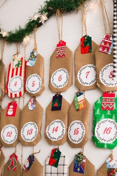 Learn how to make a rustic Christmas card display holder. Add to your Christmas decor and display your holiday cards in style with this fun project. Hanging Christmas Cards, Christmas Card Display, Christmas Card Holders, Christmas Banners, Easy Christmas Crafts, Christmas Cards To Make, Rustic Christmas, Simple Christmas, Holiday Cards