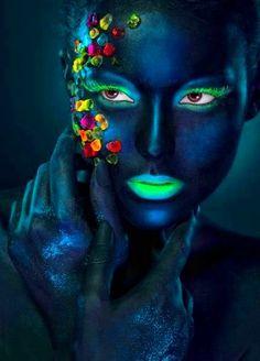 roundup: halloween make-up inspiration - Body Painting Art Visage, Afrique Art, Make Up Art, Maquillage Halloween, Black Women Art, Fantasy Makeup, Halloween Make Up, Face Art, Belle Photo