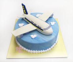 Risultati immagini per cakes of airplanes
