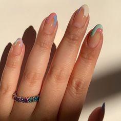 chic nail art pastel Valentine's Day Nail Aycrlic Nails, Oval Nails, Hair And Nails, Glow Nails, Coffin Nails, Nagellack Design, Nagellack Trends, Stylish Nails, Trendy Nails