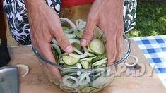 Americké okurky: Pikantní nakládaná zelenina   Prima nápady Pickles, Sprouts, Cucumber, Cheesecake, Food And Drink, Vegetables, Cheesecakes, Vegetable Recipes, Pickle