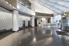 Merk: Kaza   Collectie: Petal   Crown Resorts in Perth heeft in haar hotel Kaza Petal gebruikt voor de wanden. Hierdoor krijgt het geheel een luxe uitstraling.   #3D #3Dtegels #3Dtiles #tiles #tiledesign