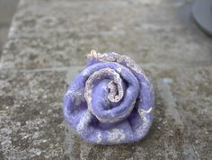 Lavender Flower Brooch, Beige Lace, Light Purple Felt Decoration, Floral Woolen Felt Jewelry, Unique Accessories, Gift for mom, Gift for women.  Fine handmade and pretty stuff. Suitable for casual wear as well as for social events, jackets, hats, bags & purses, anything.  Approx. 6,5 cm / 2.35 inches