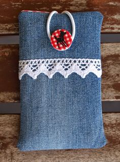Jean Crafts, Denim Crafts, Creative Gift Wrapping, Creative Crafts, Denim Bag Patterns, Pochette Portable, Sewing Jeans, Diy Bags Purses, Denim Purse