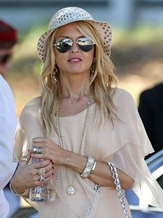 Like the muted colors with silver jewelry - could do this with a short nude kaftan top