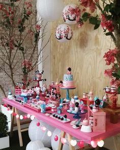 WEBSTA @ loft313 - 💗 Muitas flores de cerejeira e bonequinhas kokeshis para a festa da pequena Beatriz Harumi comemorando seu 1 aninho hj aqui no Loft!  Ficou muito fofo! 🎂🎀🍒 Aguardem mais pics!#loft313 #lugardebrincar #festainfantil #instadecor #decoration #decorparty #party #candybuffet #mesadedoces #mesadoparabéns #partyideas #kidsparties #festademenina #kokeshi #flordecerejeira #festatematicas #festakokeshis