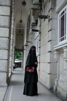 Beautiful Girl Image, Beautiful Hijab, Hijab Fashion, Women's Fashion, Islam Women, Face Veil, Hijab Niqab, Hijabi Girl, Hijab Styles