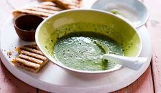 Spinach and yoghurt soup with toasted cheese
