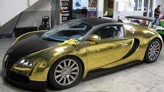 Carros de luxo: Uma Bugatti Veyron, agora na versão ouro