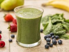 Turn eating raw greens into a pleasure with this recipe for a raw vegan food green smoothie with banana, orange juice and either dinosaur or curly leaf kale. Raw foods have not lost any nutrition due to cooking or heating. This simple raw kale smoothie is a great way to start the day!