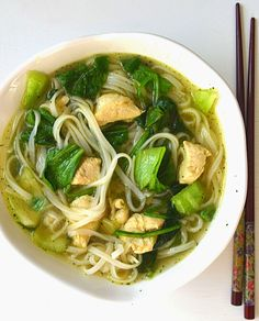 Easy Asian noodle soup w/ bok choy and tangles of noodles.- Easy Asian noodle soup w/ bok choy and tangles of noodles. Use chicken shrimp or… - Asian Chicken Noodle Soup, Rice Noodle Soups, Asian Soup, Asian Noodles, Rice Noodles, Chicken Noodles, Chicken Pho, Garlic Noodles, Asian Noodle Broth Recipe