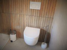 CASA HEITOR por Jesus Correia Arquitecto | homify Toilet Paper, Bathroom, Rest, Modern Bathrooms, Townhouse, Design Ideas, Good Ideas, Trendy Tree, Interiors