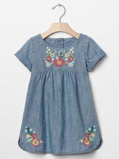 Darling Details♡~ floral embroidery on dress pattern from Oliver + S Hide-and-Seek Dress Kids Frocks, Frocks For Girls, Little Girl Dresses, Embroidery Fashion, Embroidery Dress, Embroidery Patterns, Floral Embroidery, Toddler Dress, Baby Dress