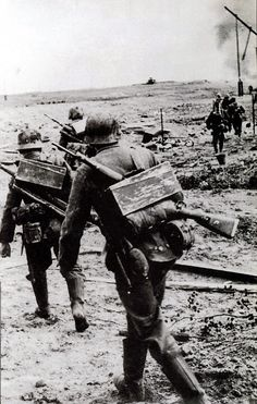 The Battle of STALINGRAD. German soldiers change their disposition. September. 1942. Stalingrad