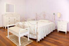 Bramato Cucine | Camera da letto in noce patinato con letto Giusti Portos