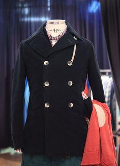 El chaquetón Camplin es la prenda perfecta para el fin de semana.  Combínalo con una camisa a cuadros / El chaquetón marinero de Camplin es la prenda perfecta párrafo el fin de semana.  Combinalo Con Una camisa de cuadros