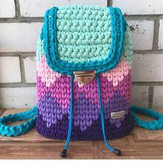 Мои закладки Crochet Backpack Pattern, Crochet Clutch, Crochet Handbags, Crochet Purses, Crotchet Bags, Knitted Bags, Tapestry Bag, T Shirt Yarn, Girls Bags