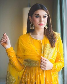 Hansika Motwani is an Indian actress who mainly appears in Tamil films. She also acts in Telugu, Malayalam and Hindi films. She made her film debut in the Telugu film Desamuduru, winning the Filmfare Award for Best Female Debut – South. Anarkali Dress, Pakistani Dresses, Indian Dresses, Indian Outfits, Anarkali Suits, Punjabi Suits, Bollywood Dress, Pakistani Couture, Bollywood Style