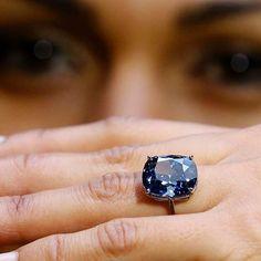 Diamond Rings, Diamond Jewelry, Jewelry Bracelets, Jewellery, Most Expensive, Colored Diamonds, Sapphire, Bling, Jewels