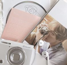pinterest // jimincifngril K Pop, Korean Aesthetic, Pink Aesthetic, Grunge Style, Ulzzang, Army Room, Album Bts, Pop Collection, Kpop Merch