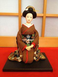 Japanese Maiko Kimono Sitting Geisha Doll