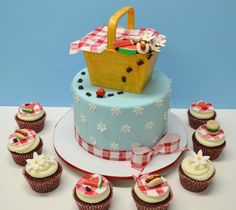 Picnic Cake by Lovely Cakes