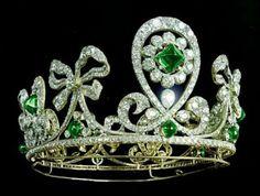 Königliche Juwelen: Zarin Alexandras Smaragd und Diamant Tiara
