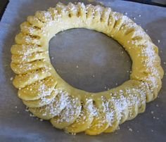VillaTuta: Pullakranssi.. Doughnut, Baking, Desserts, Food, Diy, Tailgate Desserts, Deserts, Bricolage, Bakken