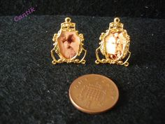 1:12 Scale Handmade Miniature GOLD COLOUR FRAMED 1890 S PHOTOS - Mother/Daughter