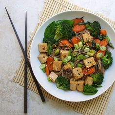Soba Noodles with Tofu, Broccoli, Carrots, and Herbs