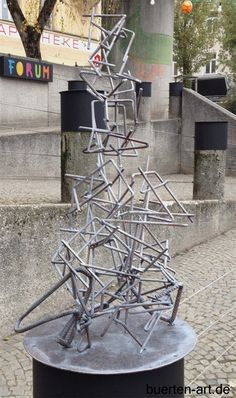 Abstract sculpture created by the munich artist Bürten Aumeier-Pannier. Get more info here: www.buerten-art.de
