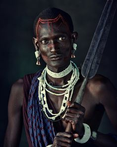 28 Captivating Photographs of Isolated Tribes Facing Extinction | Maasai in Kenya and Tanzania | Photographer Jimmy Nelson