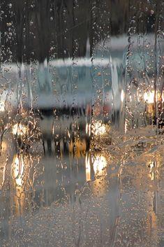 أنثى اعشق #الشتاء ورائحة #المطر اشتقت الي امطار #الشتاء الغزيره ❤☔  #كلمات