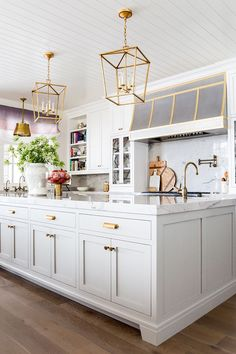 Can you believe how wonderful Emily Jackson, of The Ivory Lane's kitchen turned out? The kitchen was designed by Caitlin Creer, and decorated by Alice Lane. The marble kitchen countertop and soft grey Christopher Scott cabinets work perfectly together! I especially love the grey and gold hood above the stove, along with the other faded gold finishings around the space. …