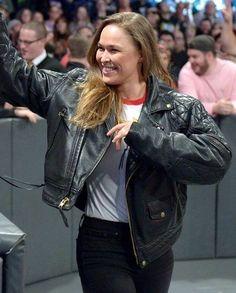 Ronda Rousey Photoshoot, Rhonda Rousy, Krav Maga Martial Arts, Figure Competition Diet, Ronda Jean Rousey, Wwe Royal Rumble, Rowdy Ronda, Sport Boxing, Catch
